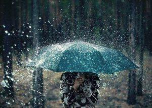 Những stt hay về mưa đầu mùa hấp dẫn được chia sẻ rầm rộ nhất