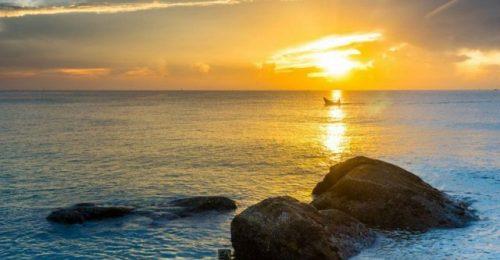 Trọn bộ chùm thơ về biển chiều chứa đựng nhiều tâm trạng sâu sắc