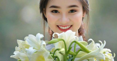 Xao xuyến cùng loạt hình ảnh cô gái bên hoa đẹp tuyệt trần