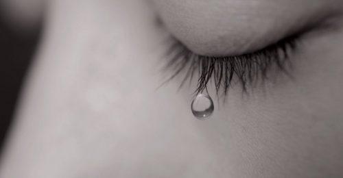 [TOP] Hình ảnh giọt nước mắt rơi khiến bạn đau lòng,xót xa