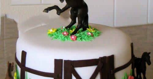 909+ Hình ảnh bánh sinh nhật con ngựa cho người tuổi ngọ cute nhất