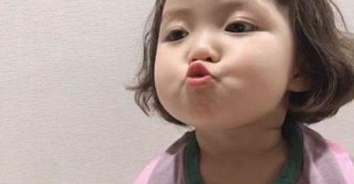 [Đốn Tim] Loạt hình ảnh em bé đẹp như thiên thần vừa nhìn là Yêu