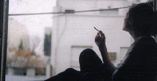 [101+] Hình ảnh buồn hút thuốc mang Tâm Trạng trĩu nặng Nỗi Buồn