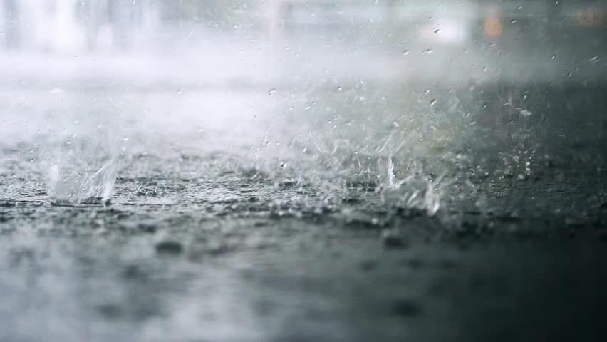 Hình ảnh trời mưa to