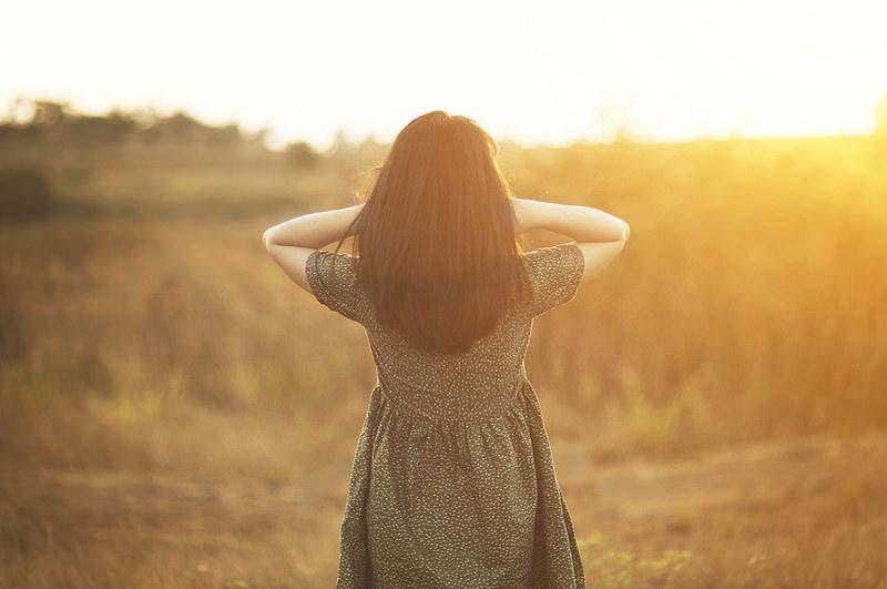 86 Hình ảnh cô gái cô đơn buồn khóc một mình lẻ loi